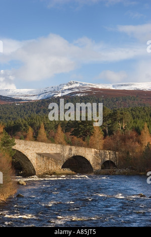 Invercauld Bridge across the River Dee, looking towards the old Brig o' Dee , Aberdeenshire, Scotland uk - Stock Photo