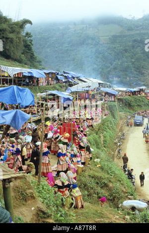 The Flower Hmong Saturday market on a hillside, Can Cau, NW Viet Nam - Stock Photo