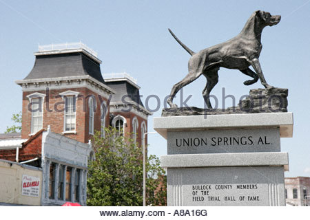 Alabama, AL, South, Bullock County, Union Springs, Prairie Street, Chunnenuggee Fair, bird dog statue, Field Trial - Stock Photo