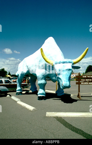Minnesota Lake Country Paul Bunyan s Babe The Blue Ox in Brainerd - Stock Photo