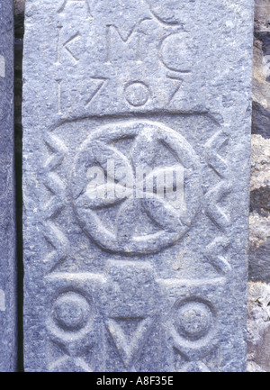 dh  KILMARTIN ARGYLL Sculptured gravestones medievil carved stone grave slabs - Stock Photo