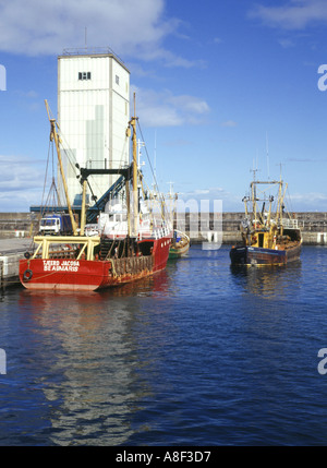 dh  BUCKIE MORAY Fishing boats in harbour scotland coastal boat