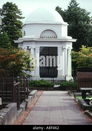 dh St Michael church DUMFRIES GALLOWAY Robert Burns neoclassical mausoleum saint michaels
