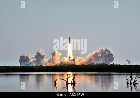 Launch of Space Shuttle Discovery and its seven member crew - Stock Photo