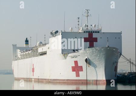 US Navy Hospital Ship Comfort docked in Baltimore harbor - Stock Photo