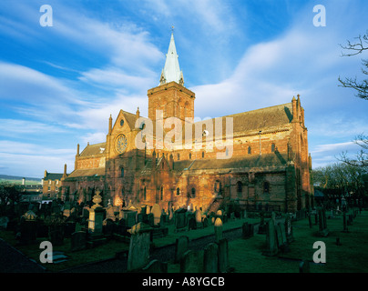 The Cathedral of St. Magnus in the Orkney Island capital of Kirkwall dates from 1137. Mainland, Orkney, Scotland - Stock Photo