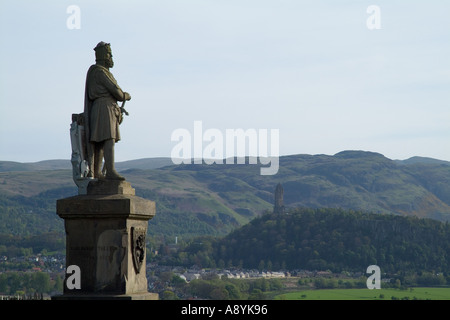 dh King Robert the Bruce statue STIRLING STIRLINGSHIRE Outside Castle Wallace memorial scottish figures historical scotland patriot monument scots