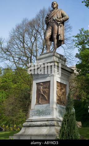 dh  STIRLING STIRLINGSHIRE Robert Burns statue