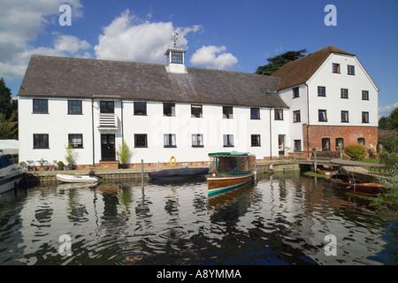 Apartments Hambleden Lock River Thames Buckinghamshire England - Stock Photo