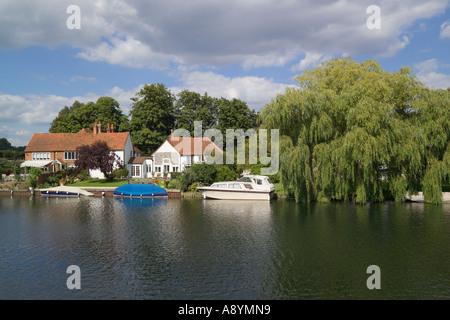 River Thames Hambleden Lock Buckinghamshire England - Stock Photo