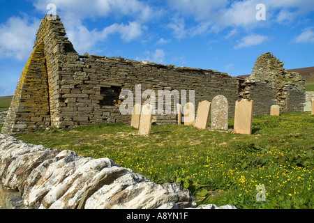 dh Westness ROUSAY ORKNEY The Wirk old church ruins graveyard - Stock Photo
