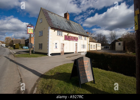 The Fox and Hounds public house in Uffington - Stock Photo