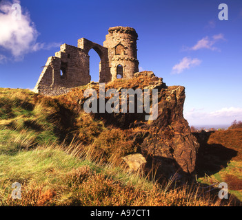 Folly of Mow Cop Castle on the Cheshire and Staffordshire Border, England, UK - Stock Photo