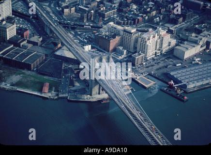 USA NEW YORK NEW YORK CITY BROOKLYN BRIDGE CONECTING BROOKLYN AND MANHATTAN - Stock Photo