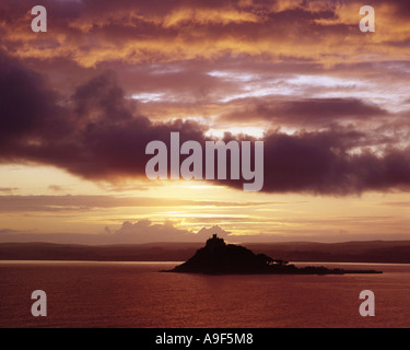 GB - CORNWALL:  St. Michaels Mount at sunset - Stock Photo