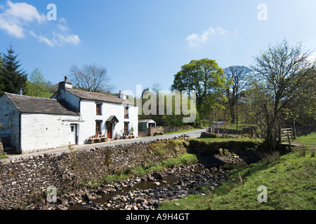 Cottage on Country Road near Cowgill, Dentdale, Yorkshire Dales National Park, North Yorkshire, England, UK - Stock Photo