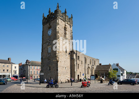 Trinity Church Square, Town Centre and Market Place, Richmond, Yorkshire Dales, North Yorkshire, England, UK - Stock Photo