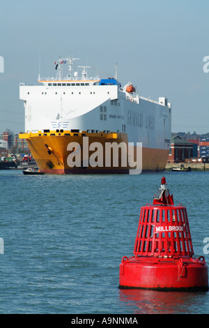 Southampton Container Terminal on Southampton Water southern England United Kingdom UK - Stock Photo