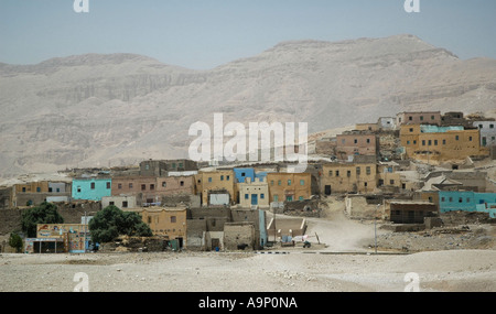 Typical Egyptian village close to the Valley of the Kings, Luxor, Egypt. - Stock Photo