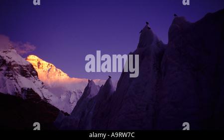 Last evening light on Mount Everest, 8848 m, in Tibet, China. September, 1994. - Stock Photo