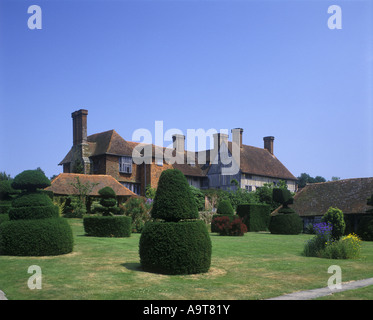 TOPIARY LAWN GARDEN GREAT DIXTER HOUSE EAST SUSSEX ENGLAND UK - Stock Photo