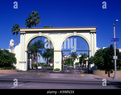 ENTRANCE GATE PARAMOUNT PICTURES MELROSE AVENUE HOLLYWOOD LOS ANGELES CALIFORNIA USA - Stock Photo