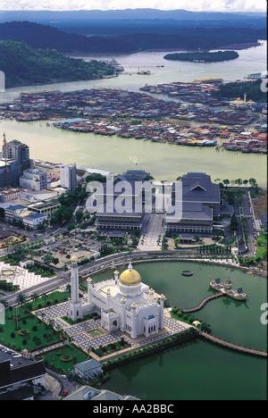 BRUNEI Bandar Seri Begawan Aerial view of the capital with the Omar Ali Saifuddien Mosque Bandar Seri Bagwan Brunei - Stock Photo