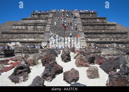 Tourists, Pyramid of the Moon, Piramide de la Luna, Teotihuacan Archaeological Site, Teotihuacan, Mexico City, Mexico - Stock Photo