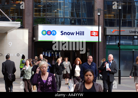 Morning commuters leaving Snow Hill railway station, Birmingham, West Midlands, England, UK - Stock Photo