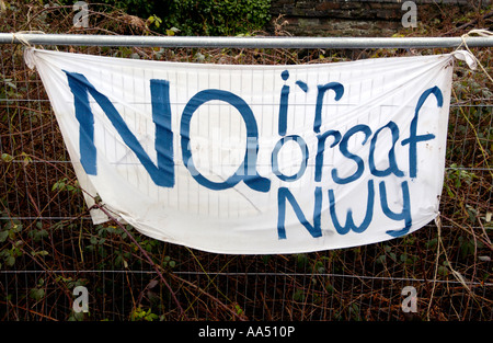 LNG pipeline banner protest at Trebanos near Neath South Wales UK welsh NA IR ORSAF NWY english NO TO THE GAS STATION - Stock Photo