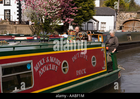 UK Wales Clwyd Shropshire Union Canal Llangollen branch Pontcysyllte Aqueduct Trevor Basin narrowboat Dutiful Duck - Stock Photo