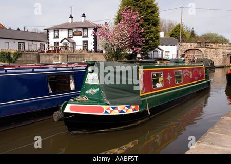 UK Wales Clwyd Shropshire Union Canal Llangollen branch Pontcysyllte Aqueduct narrowboats in Trevor Basin - Stock Photo