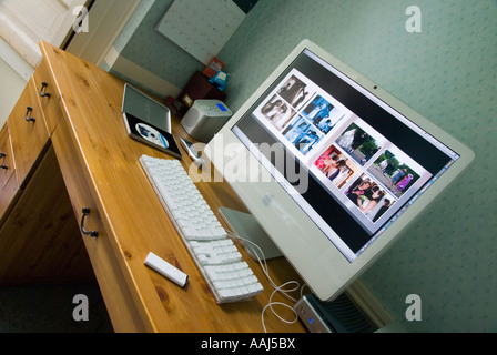... Apple IMac 24 Computer With Integral Large Screen In A Home Office  Environment May 2007 Creative