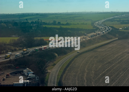 Heavy traffic on the M11 motorway caused by broken down lorry Aerial Photograph from Capital radio s Flying eye - Stock Photo