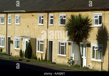 TYPICAL 1950S COUNCIL STYLE HOUSES ON AN ESTATE IN BATH, SOMERSET. - Stock Photo