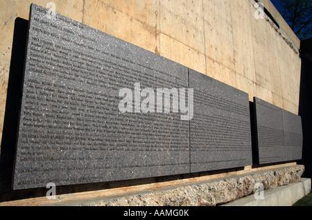OKLAHOMA CITY OK OKLAHOMA CITY NATIONAL MEMORIAL NAMES ON SURVIVOR WALL - Stock Photo