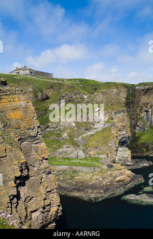 dh Steep stone steps WHALIGOE HARBOUR CAITHNESS SCOTLAND To cove carved out of seacliff and house clifftop remote cliff path uk coast