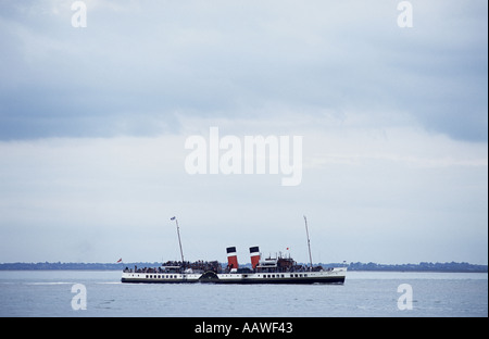 The Waverley, the last sea-going paddle steamer in the world sailing up the river Orwell towards Ipswich, Suffolk, - Stock Photo