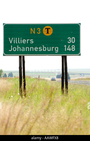A road sign showing distances to Johannesburg and Villiers on the N3 toll road in South Africa's Gauteng province. - Stock Photo