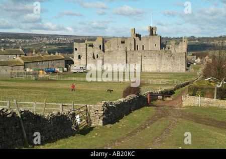 Middleham Castle from William's Hill, Middleham, North Yorkshire, England, UK. - Stock Photo