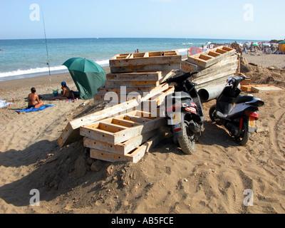 Beatriz costa stock photo 69017469 alamy for Beach house construction materials