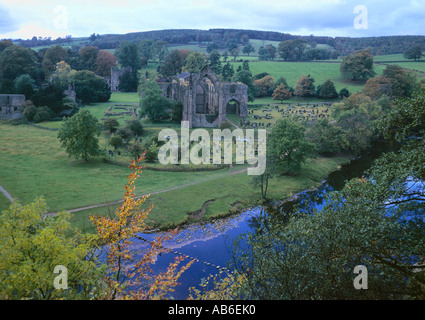 Bolton Abbey with stepping stones across the River Wharfe West yorkshire - Stock Photo