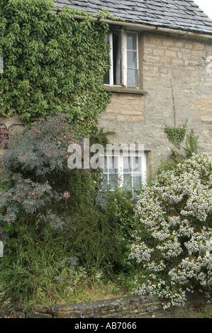 Country cottage in Spelsbury Oxfordshire - Stock Photo
