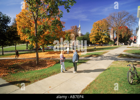 Students on campus of  Ivy League Dartmouth College in Hanover, New Hampshire - Stock Photo