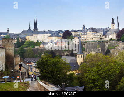 View across the Grund to the Corniche quarter of Luxembourg City Luxembourg Europe - Stock Photo