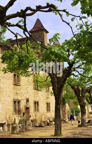 Sainte-Antoine l'Abbaye, courtyard - Stock Photo