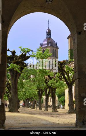 Saint Antoine l'Abbaye, courtyard - Stock Photo