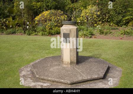 WAITANGI NORTH ISLAND NEW ZEALAND May Treaty Grounds garden with sundial donated by Viscount and Viscountess Bledisloe - Stock Photo