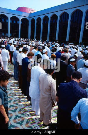 Regents Park London England Muslims Going To Worship At Eid - Stock Photo
