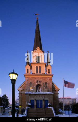 OUR LADY OF LOURDES CATHOLIC CHURCH IN HISTORIC ST. ANTHONY MAIN AREA OF MINNEAPOLIS, MINNESOTA, U.S.A.  WINTER. - Stock Photo